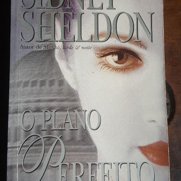"""Livro """"o plano perfeito"""" do sidney sheldon"""