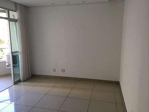 O apartamento está localizado no bairro gutierrez tem 80