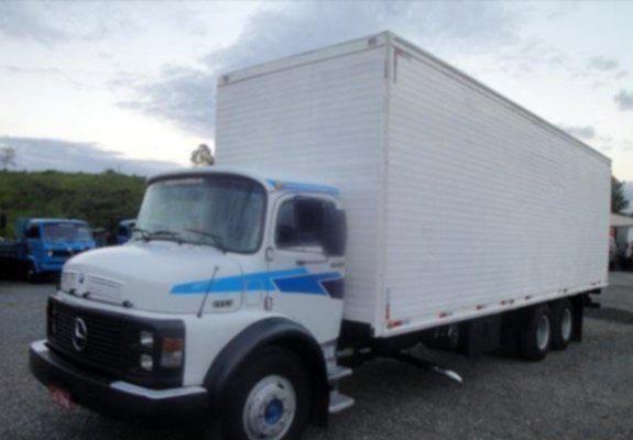 Caminhão mb 1113 ano 1982 dau direção