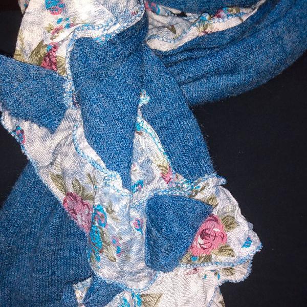 Lenço/ cachecol azul com estampas em algodão