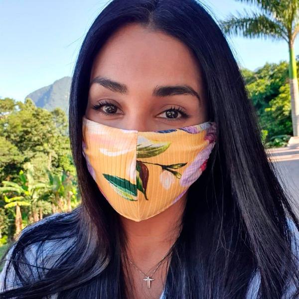 Máscara de proteção estampa flor de menina farm