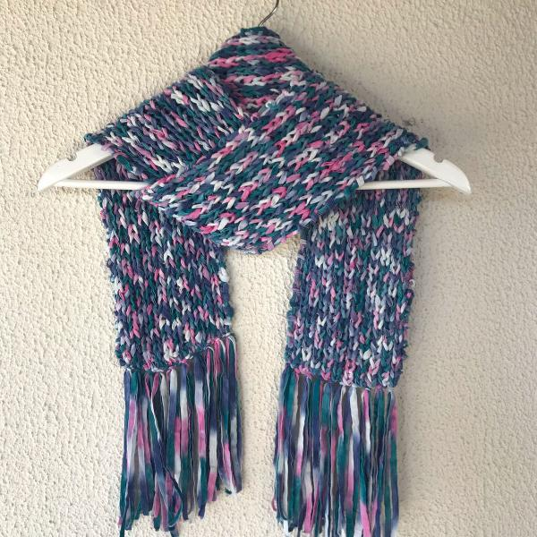 Cachecol tricô franja azul