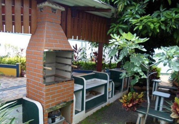 Vende Terreno Com 2 Casas - Estuda permuta de menor valor