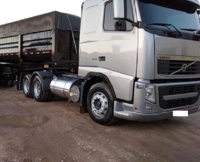 Caminhão volvo fh 440 bicaçamba