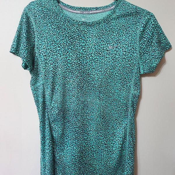 Camiseta dry fit nike xs verde estampada (extral pequena)