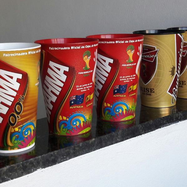 Vendo copos da copa do mundo 2014
