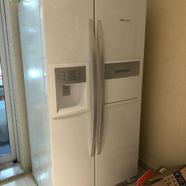 Geladeira/ refrigerador side by side