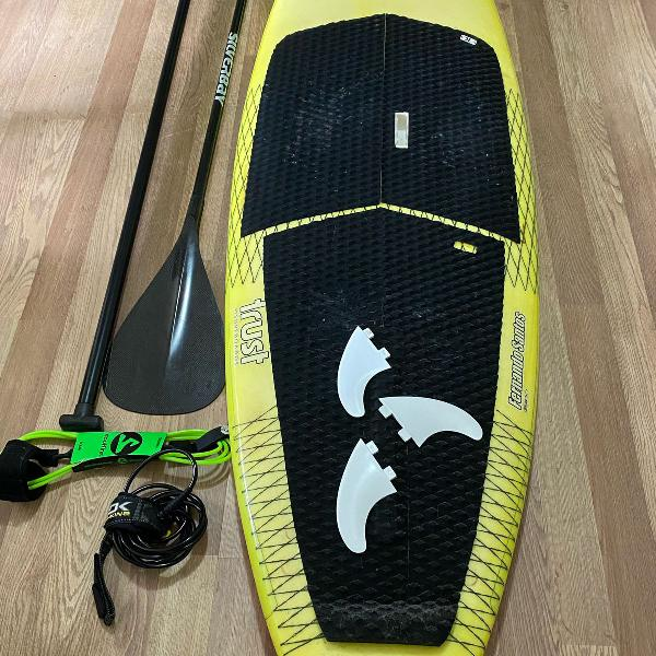 Sup surf 82 performance + 2 remos + quilhas