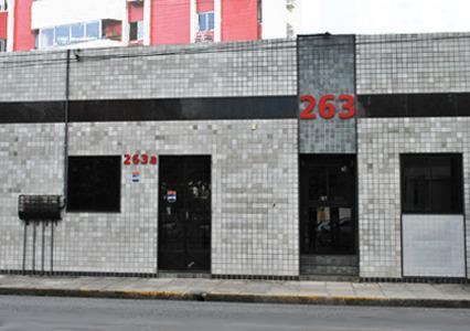 Clinica para venda com 100 m², composta de 1 sala de espera