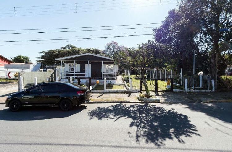 Casa madeira. 2 terrenos agregados.