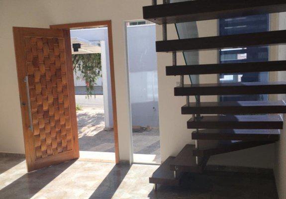 Casa com 3 dormitórios sendo 3 suite à venda, 138 m² no