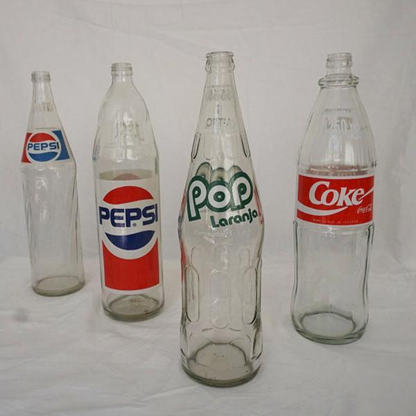 Garrafas de refrigerante década 90