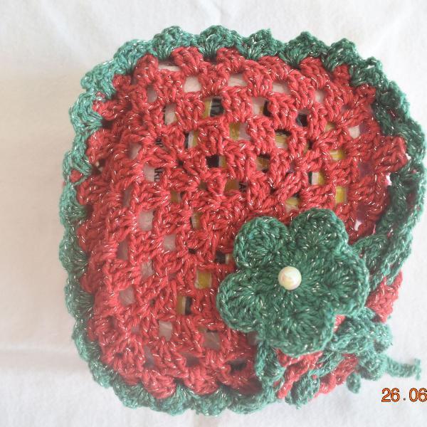 Porta guardanapos em crochê , linha vermelha , verde com