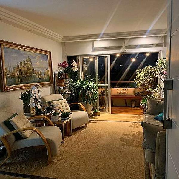 3 quartos com móveis planejados, 2 vagas de garagem,