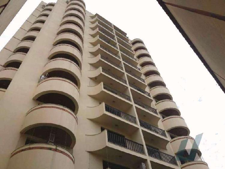Apartamento à venda de 115 metros quadrados com 3 quartos e