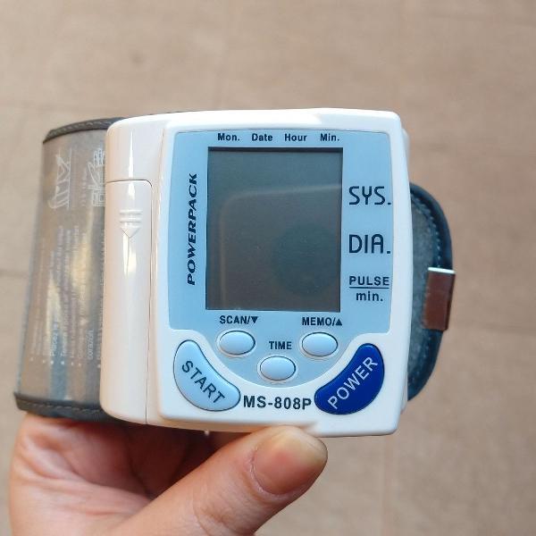 Monitor digital de pressão arterial