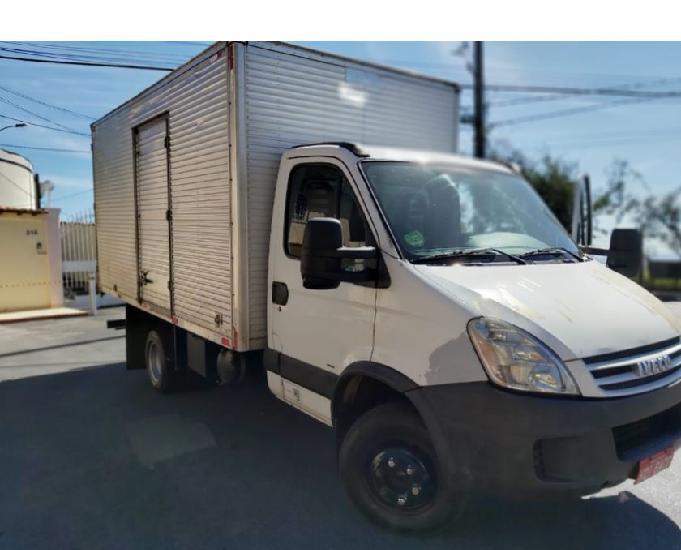 Caminhão iveco baú daily 70 c16 cs diesel ano 2008