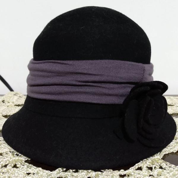 Chapéu estilo britânico preto