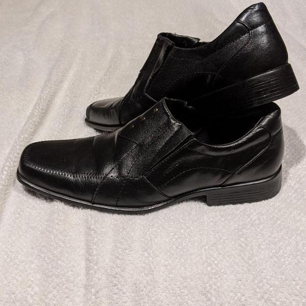 Sapato social fegalli - couro sintético tam 41 semi novo