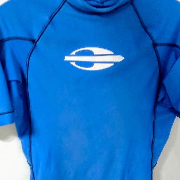 Camiseta lycra mormaii com proteção uv