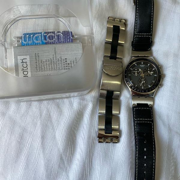 Relógio swatch preto e prata