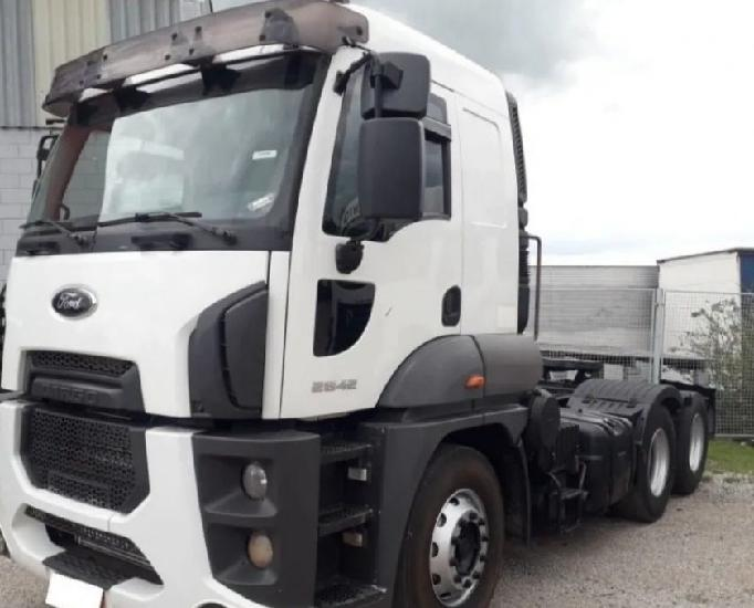 Ford cargo 2842 6x2 ano 2014 completo
