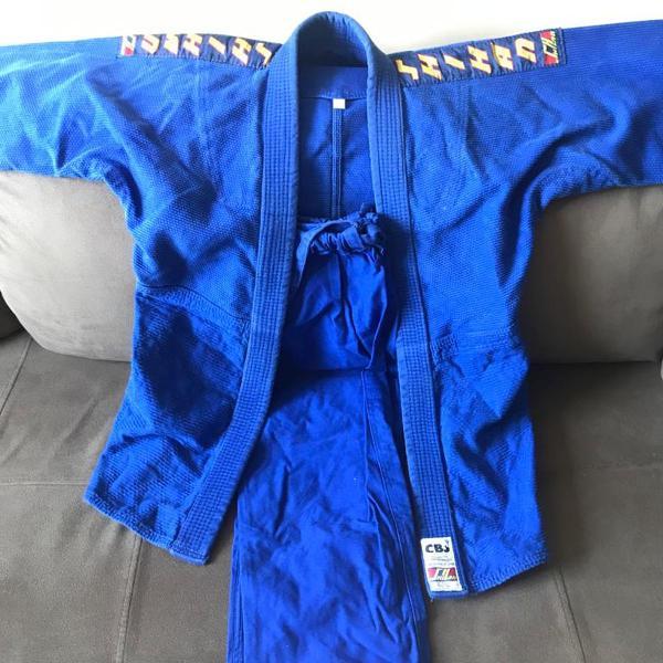 Kimono trançado shihan azul