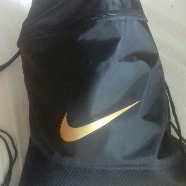 Mochila de academia gym bag esporte caminhada corrida.