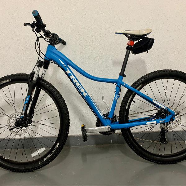 Bicicleta trek 27.5 azul bmw importada