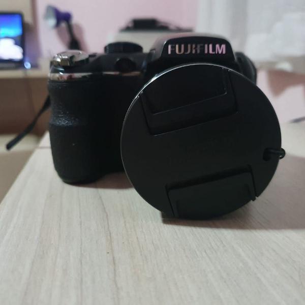 Câmera digital fujifilm finepix zoom 24x