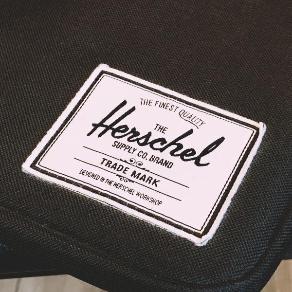 Herschel anchor sleeve 15 preto