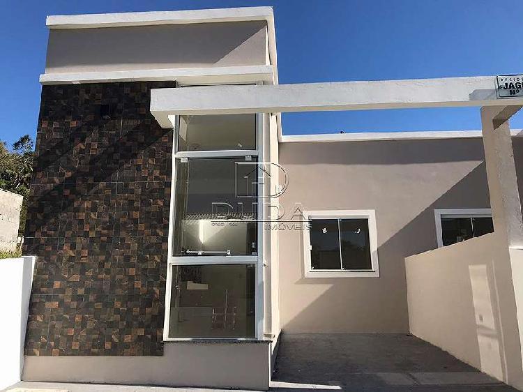 Casa 2 quartos, 2 vaga, arquitetura diferenciada, vale verde
