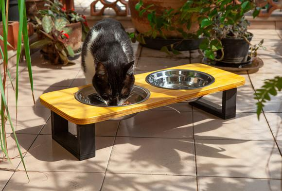 Comedouro pet madeira + inox (gatos) estilo industrial