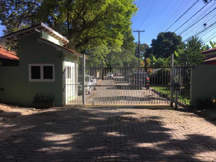 Imobiliária agatê imóveis vende casa em condomínio de