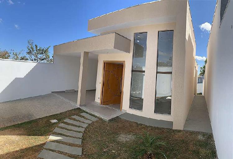 Maravilhosa casa no condomínio trilhas do sol