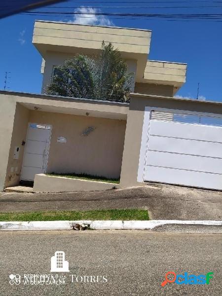 Casa bairro colinas de santa bárbara