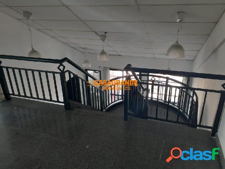 Alugo ou vendo sala comercial em cobertura duplex tech tower