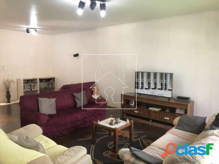 Casa térrea em terreno de 500m² à venda na vila leopoldina