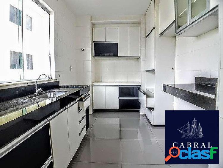 Excelente apartamento com área privativa 03 quartos no bairro Cabral 1