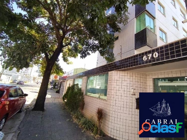 Excelente apartamento com área privativa 03 quartos no bairro Cabral 3