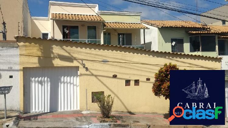 Linda casa geminada de 3 quartos, à venda no bairro cabral