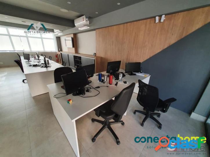 Prédio comercial de 260 m², 2 vagas, próximo ao metrô santana