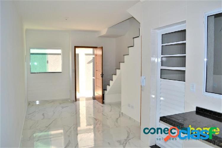 Sobrado de 65 m² em condomínio, 2 suítes e 1 vaga na vila guilhermina