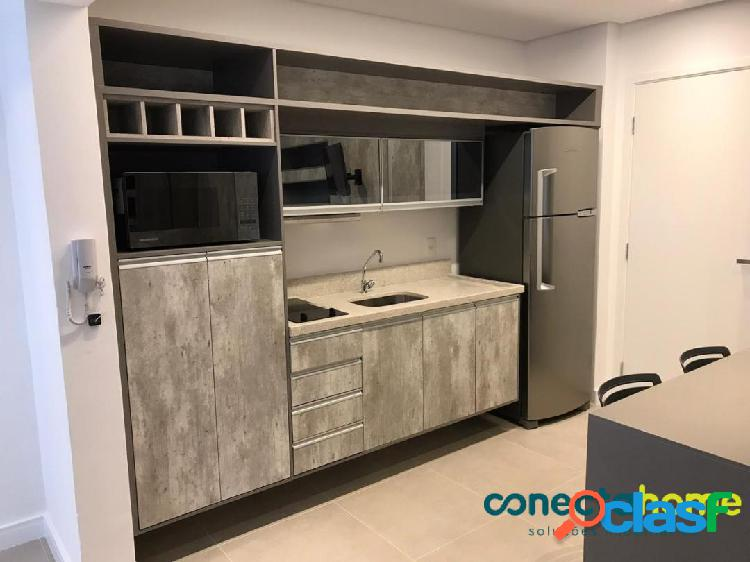 Apartamento studio mobiliado de 35 m², 1 dormitório e 1 vaga no campo belo