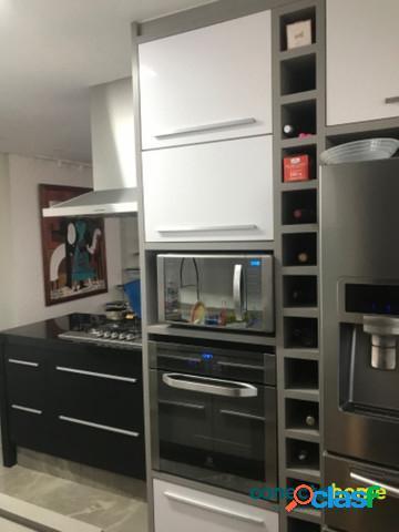 Cobertura triplex de 168 m², 3 dormitórios c/ 2 suítes e 2 vagas em santana