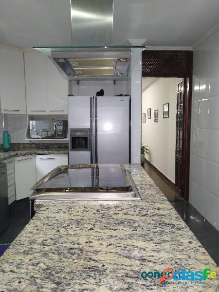 Sobrado de 200 m², 3 dormitórios c/ 1 suíte e 2 vagas no brooklin paulista