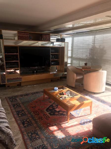 Cobertura duplex de 300 m², 4 suítes, 4 vagas em indianópolis
