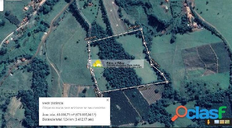 Sítio de 2.6alqueires no município de muzambinho-mg, area tratoravel.
