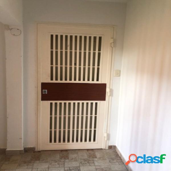 86 M2. En Venta Apartamento en Excelentes Condiciones En Piedras Pintadas 2