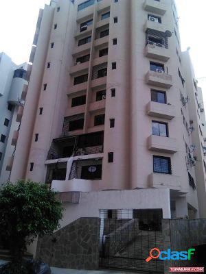Apartamento ROSSYEL. La Trigaleña. 95 mts2. Piso 8. 1